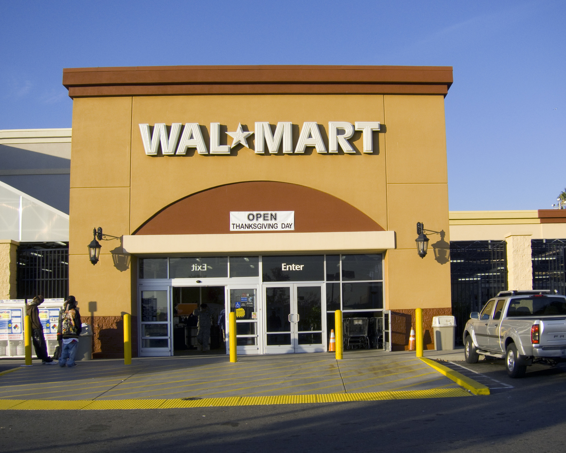 Walmart to shutdown stores on Thanksgiving and stop Black Friday sales