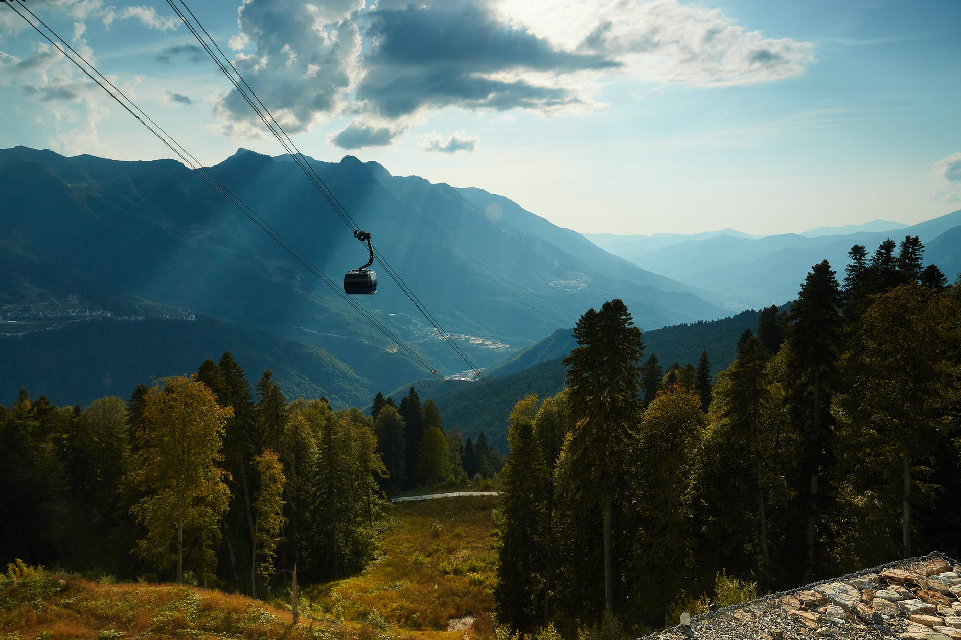 Cable Car Fell Near Lake Maggiore in Italy, 14 Casualties After Accident